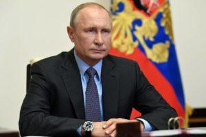 Путин призвал готовиться к возможной второй волне коронавируса осенью