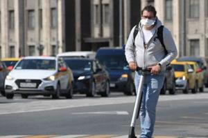 Эксперт оценил возможность заражения коронавирусом на улице
