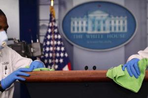 большинство сотрудников Белого дома обяжут носить маски
