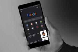 Google наконец сделает ночную тему в Chrome на Android полноценной