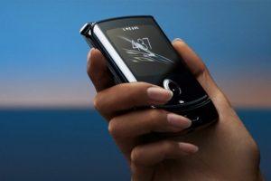 Motorola рассказала, как обращаться с ее гибким смартфоном Razr – SENSOR 24