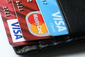 Эксперт рассказал, зачем блокировать функцию бесконтактной оплаты картой