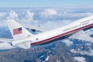 На каких самолетах летают президенты США и России?