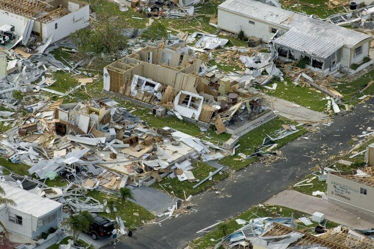 hurricane_Charlie-750x500-1.jpg